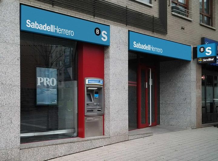 banco herrero oficializa la marca popular sabadellherrero