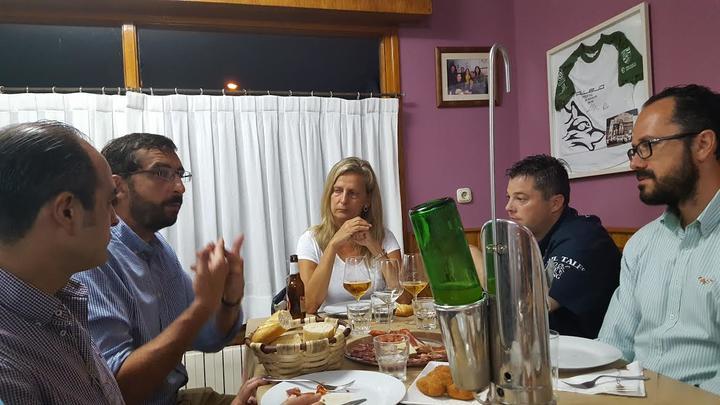 cena fetiche sumisión en Gijón